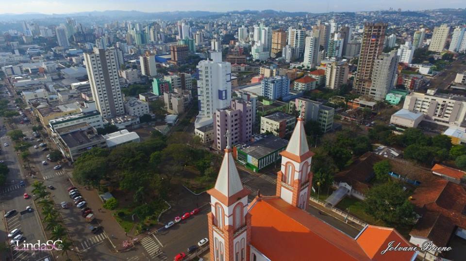 Foto aérea da Catedral em Chapecó