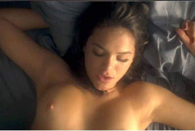 Cena de sexo com Bruna Marquezine pelada vaza em série da Globo